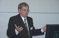 Prof. Dr. Claus beim DAT 2006